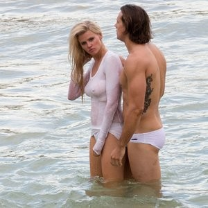 Newest Celebrity Nude Lara Stone 047 pic
