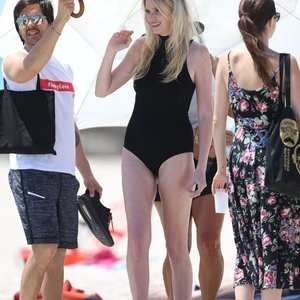 Celebrity Naked Lara Stone 009 pic