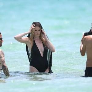 Nude Celeb Lara Stone 029 pic