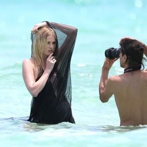 celeb nude Lara Stone 033 pic
