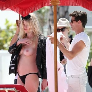 Real Celebrity Nude Lara Stone 063 pic