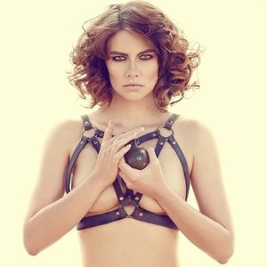 Lauren Cohan Topless (2 Photo) – Leaked Nudes