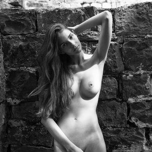 Free Nude Celeb Lina Lorenza 007 pic