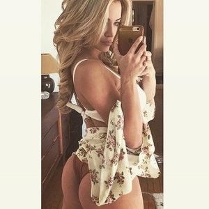 Lindsey Pelas Sexy (2 Hot Photos) - Leaked Nudes