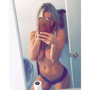 Lindsey Pelas Topless (1 Hot Photo) – Leaked Nudes