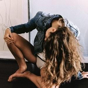 Naked celebrity picture Lise Olsen 008 pic