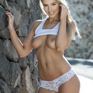 Celebrity Naked Lissy Cunningham 002 pic