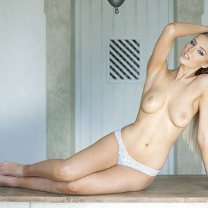 Lissy Cunningham Topless (4 New Photos) – Leaked Nudes