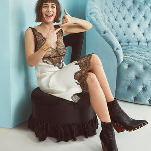 Naked Celebrity Lizzy Caplan 002 pic
