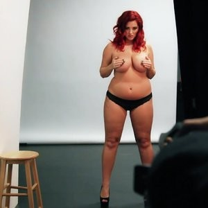 Nude Celeb Pic Lucy Collett 024 pic