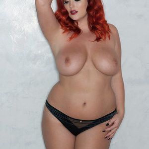 Free Nude Celeb Lucy Collett 003 pic