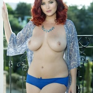 Celebrity Nude Pic Lucy Collett 001 pic