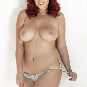 Newest Celebrity Nude Lucy Collett 001 pic