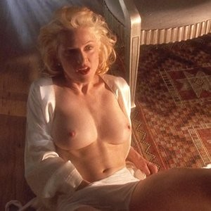 Madonna Topless (5 Photos) - Leaked Nudes