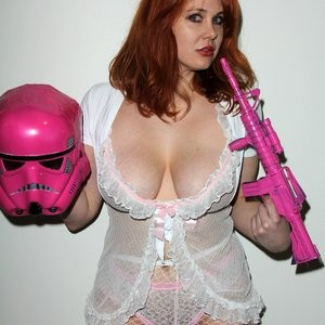 Naked celebrity picture Maitland Ward 064 pic