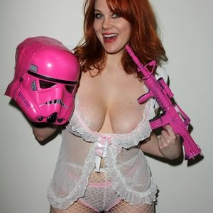 Naked celebrity picture Maitland Ward 065 pic