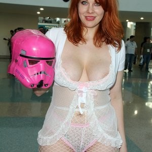 Naked celebrity picture Maitland Ward 109 pic