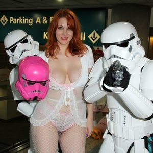nude celebrities Maitland Ward 122 pic