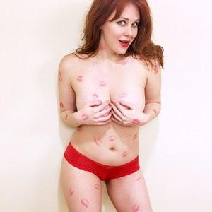 Naked Celebrity Maitland Ward 003 pic