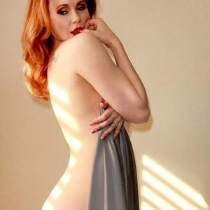 Naked Celebrity Pic Maitland Ward 004 pic