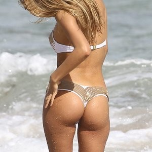 Melissa Castagnoli in a Bikini (10 Photos) - Leaked Nudes