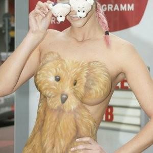 Micaela Schäfer Bodypaint (9 Photos) – Leaked Nudes