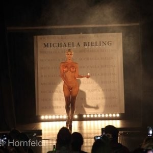 Free nude Celebrity Micaela Schäfer 006 pic