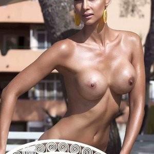 Naked Celebrity Micaela Schäfer 003 pic