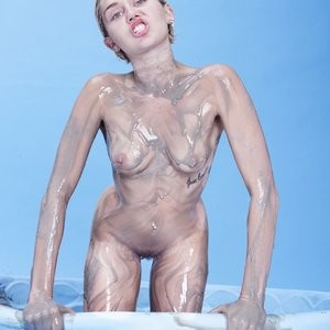 Miley Cyrus Full Frontal (1 Photo) – Leaked Nudes
