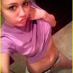 Celebrity Naked Miley Cyrus 012 pic