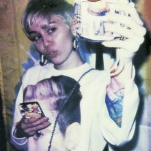 Nude Celeb Pic Miley Cyrus 020 pic