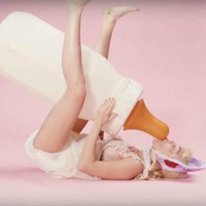 Free Nude Celeb Miley Cyrus 005 pic