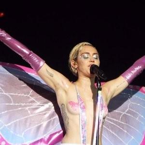 Celeb Nude Miley Cyrus 005 pic