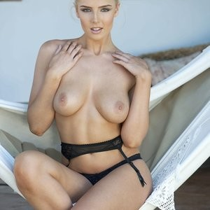 Model Lissy Cunningham Topless (3 Photos) - Leaked Nudes