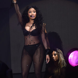 Nicki Minaj Areola Peak (3 Photos) – Leaked Nudes