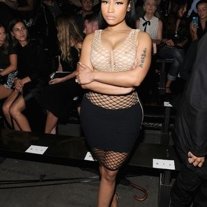 Nicki Minaj Areola Peek (8 Photos) – Leaked Nudes