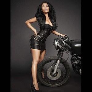 Naked Celebrity Pic Nicki Minaj 002 pic