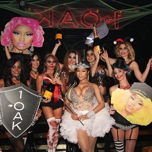 Naked Celebrity Pic Nicki Minaj 004 pic
