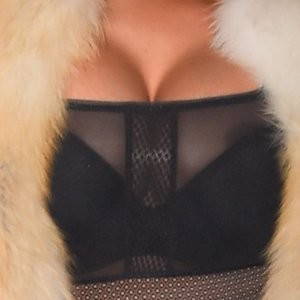 Nicki Minaj Nip Slip (2 New Photo) – Leaked Nudes