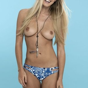 Nicole Neal Topless (2 Photos) - Leaked Nudes