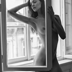 Naked Celebrity Ollie Kram 002 pic