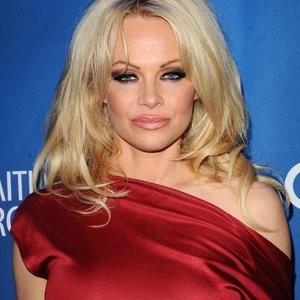 Pamela Anderson Pokies (16 Photos) – Leaked Nudes