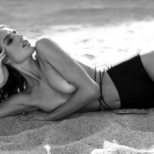 Naked Celebrity Pic Rafaella Consentino 001 pic