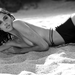 Naked celebrity picture Rafaella Consentino 006 pic
