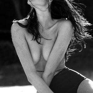 celeb nude Rafaella Consentino 007 pic