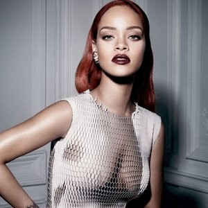 Celebrity Nude Pic Rihanna 005 pic