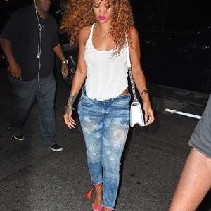 Rihanna Braless (8 Photos) - Leaked Nudes