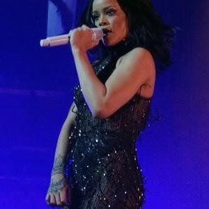 Nude Celebrity Picture Rihanna 010 pic