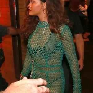 Rihanna Sexy (34 Photos) – Leaked Nudes