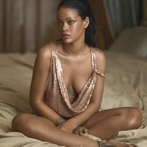 Rihanna Sexy (6 Photos) – Leaked Nudes